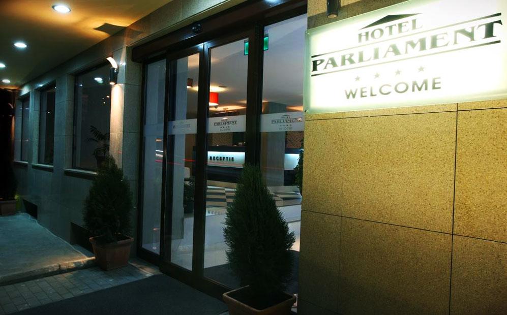 Parliament-hotel